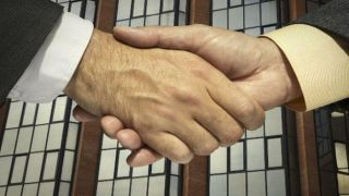6 contactos imprescindibles que los profesionales deben tener en sus agendas