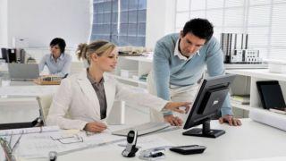 ¿Cómo acomodarse en las oficinas? ¿sentado? ¿parados?