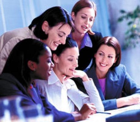 Lograr puestos de alta dirección depende de las mujeres