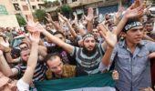 Miles de sirios salen a las calles y el régimen vuelve a reprimir violentamente