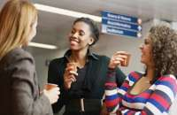 El 64% de los empleados que consideran que tienen amigos en el trabajo tienen una buena impresión de sus empresas. Foto:bancaynegocios.com