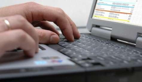El mail es el medio de comunicación más utilizado en la oficina. Foto:todoblogger.com