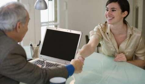 Tanto si eres jefe como si eres empleado, mezclar la amistad con el trabajo tiene muchos inconvenientes. Foto: La nación