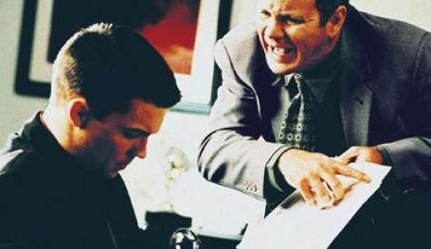 Los conflictos laborales repercuten directamente con la productividad de los empleados y su estado de ánimo. Foto:internationalcontracts.net