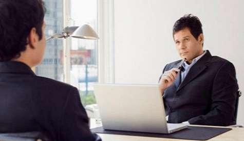 Tanto por debajo como por encima de estas horas, se reducen los niveles de motivación y compromiso con la empresa, además de la productividad, según un reciente estudio de la consultora norteamericana Leadership IQ. Foto:Terra