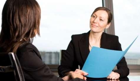 Una vez tengas a tus primeros empleados, hazles saber de una forma concreta cuáles son sus cometidos. Foto:Altonivel