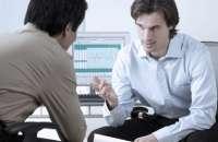 La barrera que separa a algunos jefes de los empleados en las empresas es tan palpable, que los trabajadores no se animan a dar un paso más allá a la hora de dar sus ideas. Foto:ceoforum.com.ar