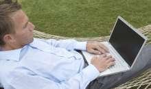Bajo este mecanismo de contratación de personas, los profesionales dan a conocer sus competencias y postulan en línea a proyectos que diferentes empresas ofrecen en distintas partes del mundo. foto:whitridge.com