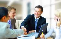 Según el experto en inteligencia emocional Harvey Deutschendorf, el 90% de los empleados que consideran que sus jefes le muestran gratitud, consiguen mejores resultados. Foto:pacherconsultores.com