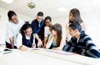 Tener talento joven en tus filas puede mejorar el ambiente laboral de tu empresa. Foto:trabajarporelmundo.org
