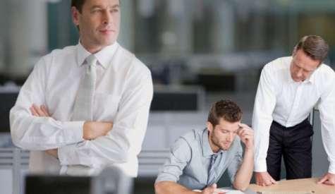 Reconocer las tres etapas de crecimiento de un líder y saber cuándo soltar el timón es fundamental para el crecimiento de una empresa. Foto:bancaynegocios.com