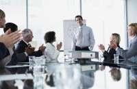 Entre los desaciertos se cuentan el hablar con poca energía y no practicar lo suficiente. Foto:fobiaahablarenpublico.com