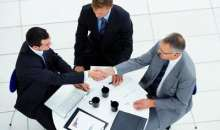 Una buena negociación requiere de una serie de componentes que muchos empresarios pasan por alto o, incluso, desconocen. Foto:lanegociacion