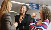 Empleados que tienen amigos en el trabajo son más comprometidos con la empresa