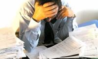 ¿Cómo manejar a los empleados negativos en la oficina?