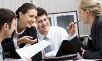 Empleados talentosos contribuyen al rendimiento de sus compañeros